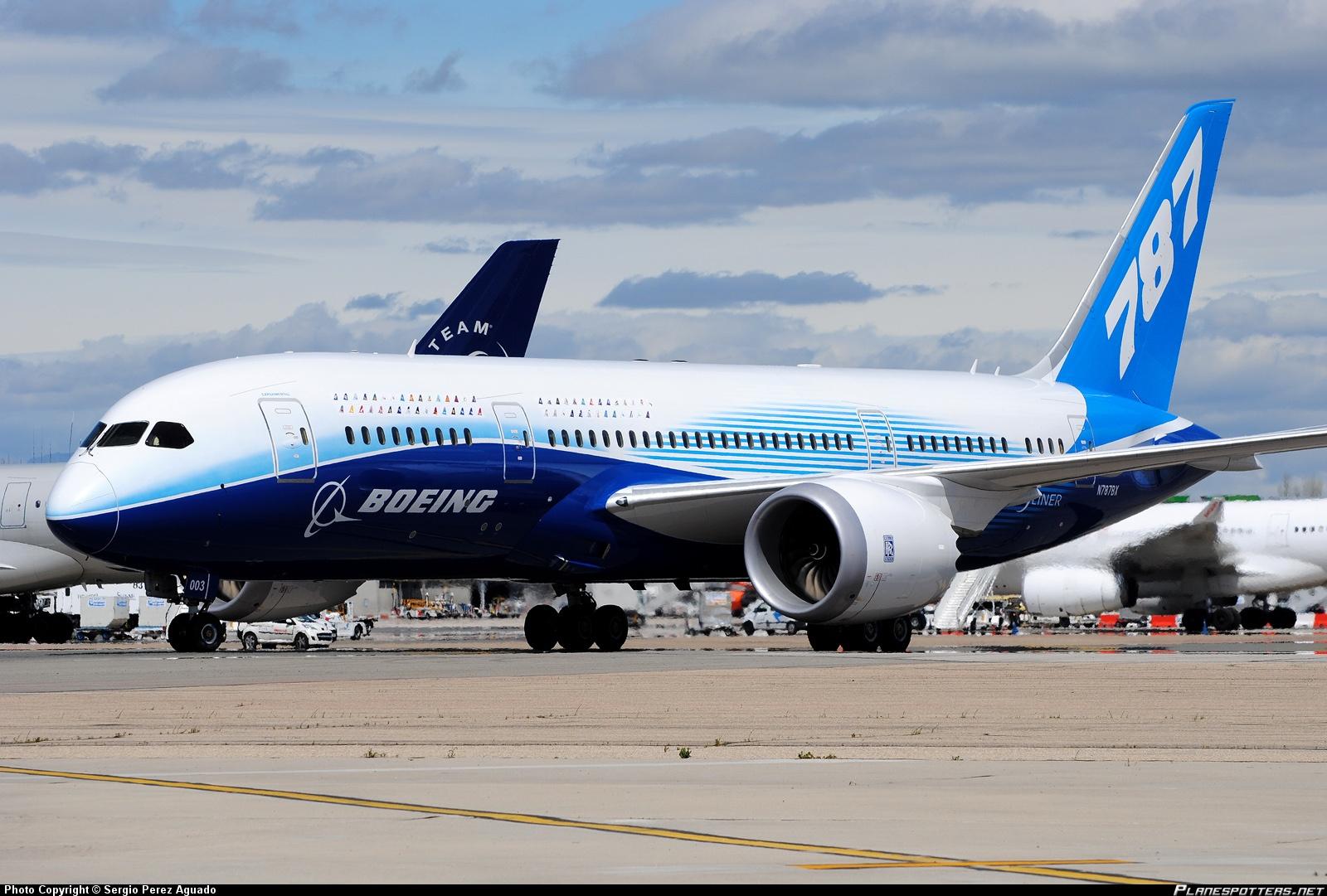 787_dreamliner-1.jpg